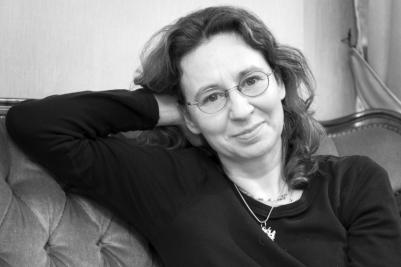Dr. Claudia Hangen